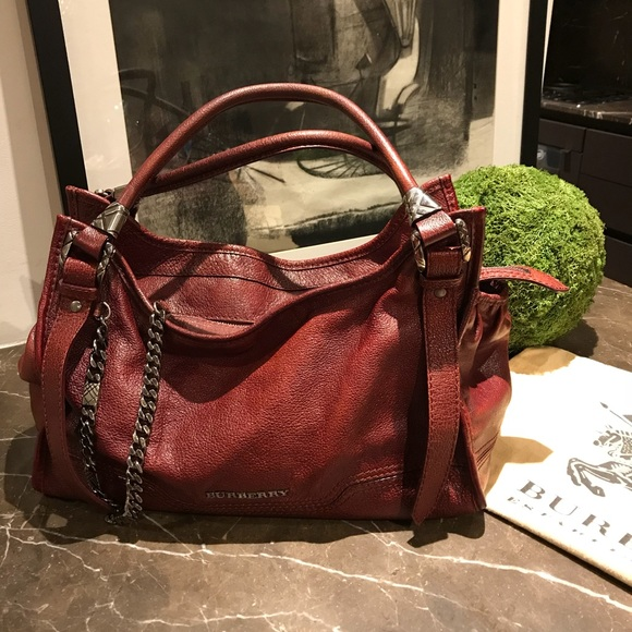 840cdc137c49 Burberry Handbags - Authentic Burberry Ashmore Leather Tote Burgundy